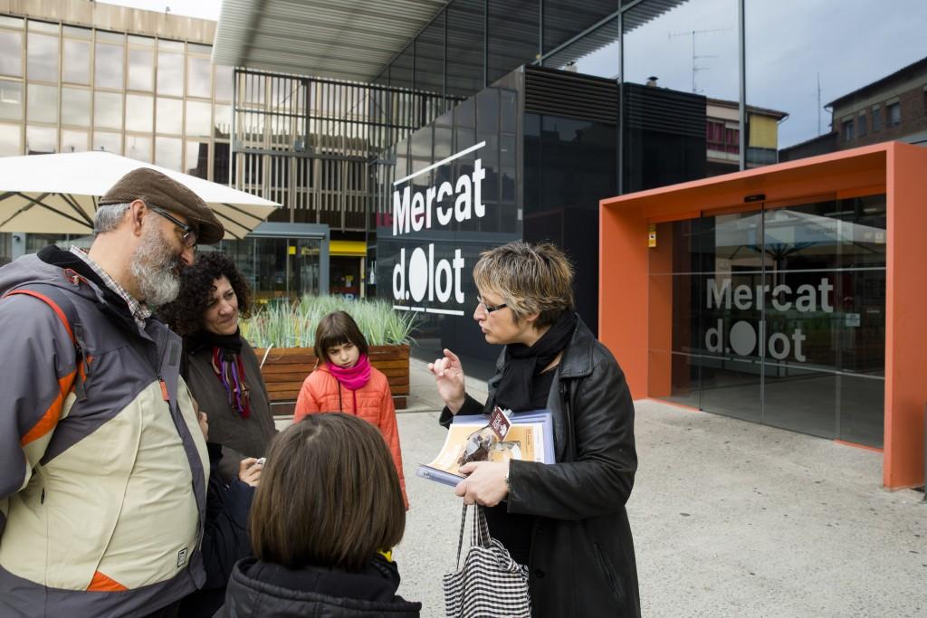 Plaça Mercat Olot - Educart