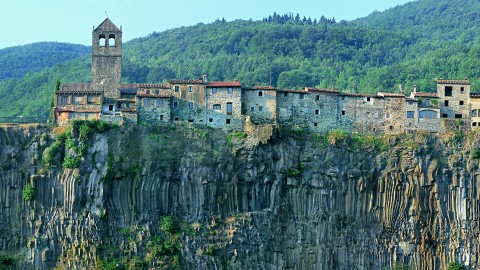 La Garrotxa, écotourismeaumilieu de volcans, située entre les Pyrénées et la Costa Brava