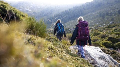 5 lugares insólitos donde practicar senderismo en España