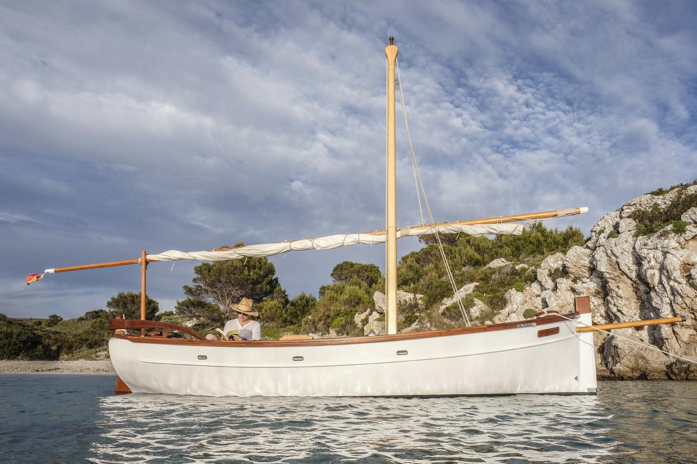 embarcación tradicional en Menorca