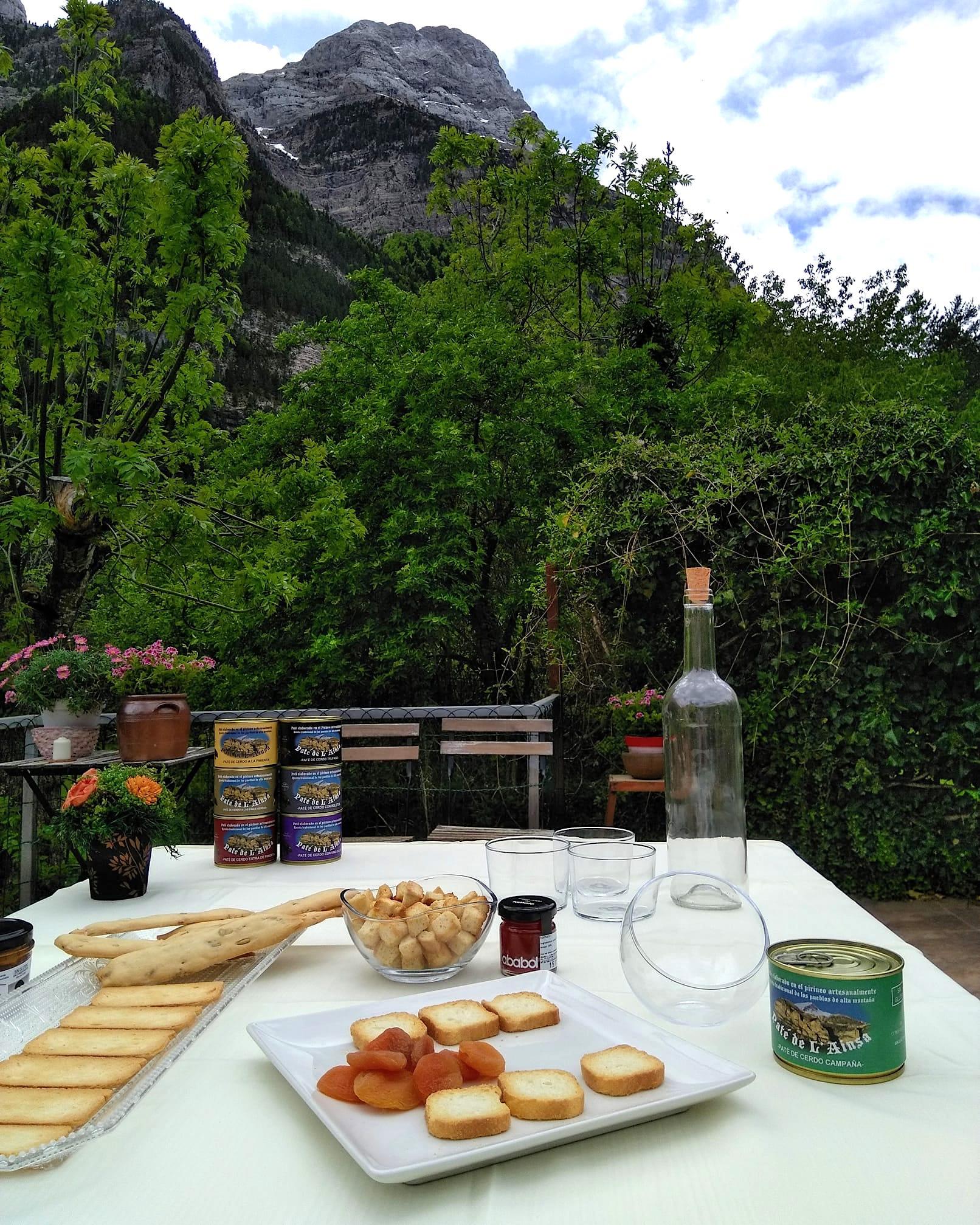 Paté L'aínsa y sus productos locales
